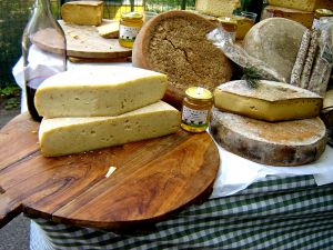 Hét finom sajt a Friss Élelmiszer Kft kínálatában
